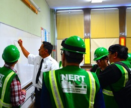 NERT - image of NERT instructor teaching lesson plan to volunteers
